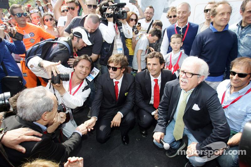 Tamburello virajında anma töreni, Fernando Alonso, Jarno Trulli, Riccardo Patrese, Luca Badoer, Pierluigi Martini, Andrea de Cesaris, Gerhard Berger, Kimi Raikkonen, Pedro de la Rosa, Emanuele Pirro, Ivan Capelli