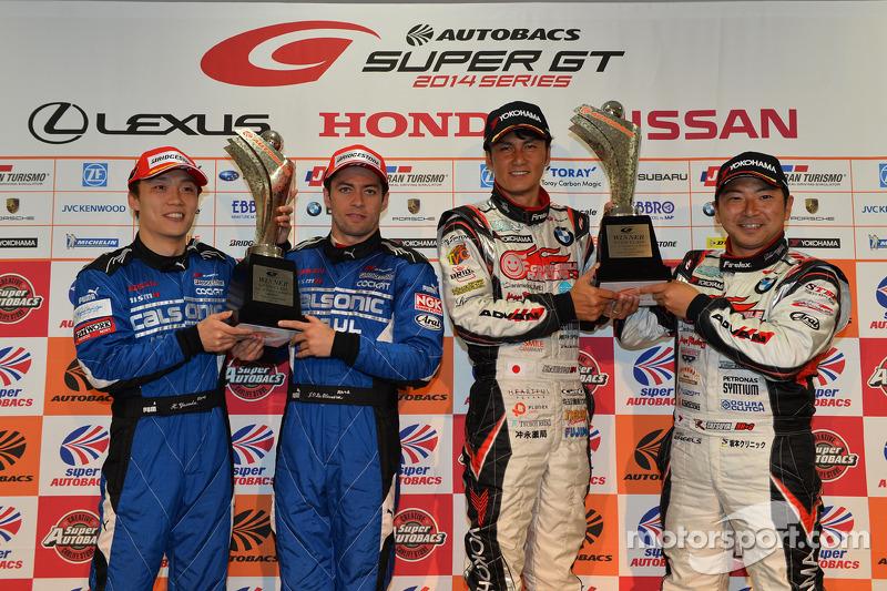 GT500 Kazanan Hironobu Yasuda, Joao Paulo de Oliveira ve GT300 Kazanan Nobuteru Taniguchi, Tatsuya K
