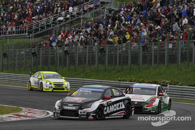 Gianni Morbidelli, Chevrolet RML Cruze TC1, ALL-INKL_COM Munnich Motorsport ve Tiago Monteiro, Honda Civic WTCC, Castrol Honda WTCC Takımı