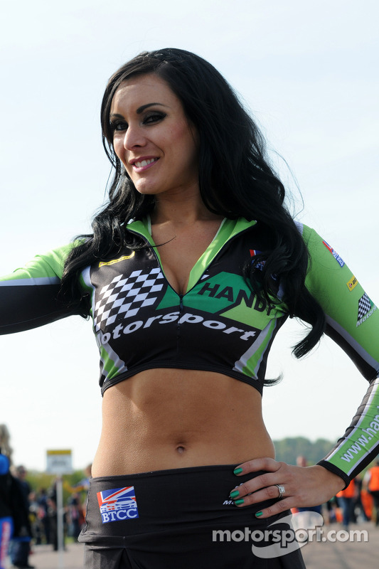 Handy Motorsport Grid girl