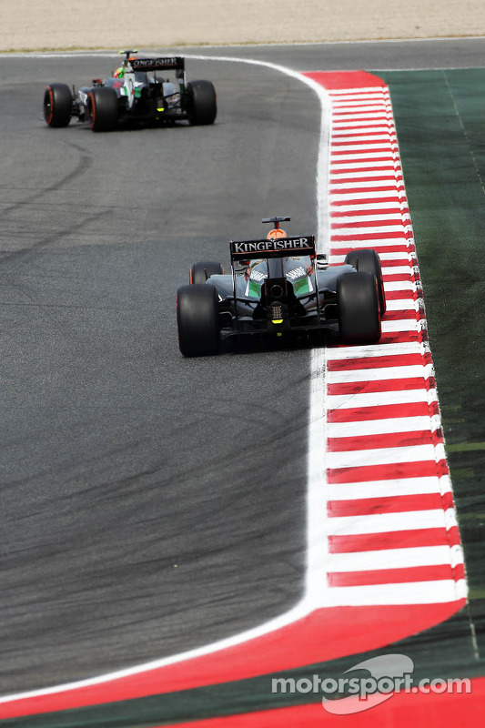 Sergio Perez, Sahara Force India F1 VJM07 lidera companheiro Nico Hulkenberg, Sahara Force India F1 VJM07