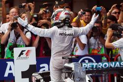 Race winner Lewis Hamilton, Mercedes AMG F1 W05 celebrates in parc ferme
