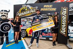 Обладатель поул-позиции Шейн ван Гисберген, Triple Eight Race Engineering