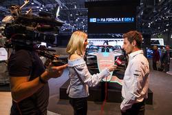 Презентация машины Формулы Е нового поколения