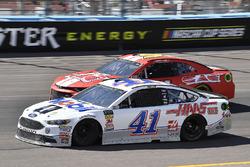 Kurt Busch, Stewart-Haas Racing, Ford Fusion Mobil 1/Haas Automation, Timmy Hill, Rick Ware Racing, Chevrolet Camaro P2