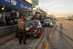 Джек Хоксворт, Давид Хайнемайер Ханссон, Шон Рейхолл (№15), Доминик Бауман, Кайл Марчелли, Филипп Фромменвилер, 3GT Racing, Lexus RCF GT3 (№14)