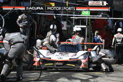 #6 Acura Team Penske Acura DPi, P: Dane Cameron, Juan Pablo Montoya, Simon Pagenaud pit stop