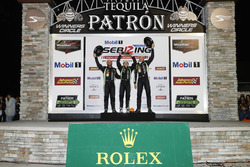 Podium: winners Pipo Derani, Johannes van Overbeek, Nicolas Lapierre, Tequila Patron ESM Nissan