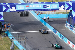 Jean-Eric Vergne, Techeetah. takes the chequered flag ahead of Lucas di Grassi, Audi Sport ABT Schaeffler