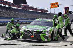 Kyle Busch, Joe Gibbs Racing, Toyota Camry Interstate Batteries pits