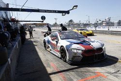 #25 BMW Team RLL BMW M8, GTLM: Bill Auberlen, Alexander Sims, Connor de Phillippi, pit stop
