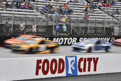 Erik Jones, Joe Gibbs Racing, Toyota Camry DeWalt and Alex Bowman, Hendrick Motorsports, Chevrolet Camaro Nationwide