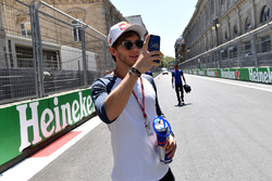 Pierre Gasly, Scuderia Toro Rosso takes a photo on the track walk