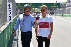 Johnny Herbert, Marcus Ericsson, Sauber walks the track