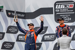 Podio: il secondo classificato Norbert Michelisz, BRC Racing Team Hyundai i30 N TCR