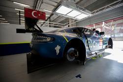Автомобиль Aston Martin Vantage GTE (№90) команды TF Sport