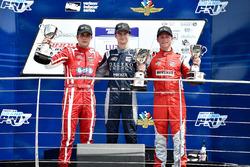 Podium: race winner Colton Herta, Andretti Steinbrenner Racing, second place Santiago Urrutia, Belardi Auto Racing, third place Aaron Telitz, Belardi Auto Racing