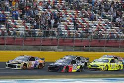 Alex Bowman, Hendrick Motorsports, Chevrolet Camaro Axalta Chase Elliott, Hendrick Motorsports, Chevrolet Camaro SunEnergy1