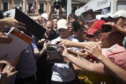 Lewis Hamilton, Mercedes AMG F1, firma autografi