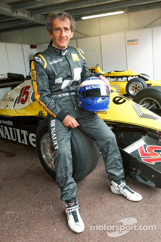 Alain Prost, com sua Renault F1, de 1983