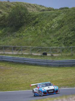 #5 Farnbacher Racing Porsche 911 GT3 R: Mario Farnbacher, Nathan Morcom