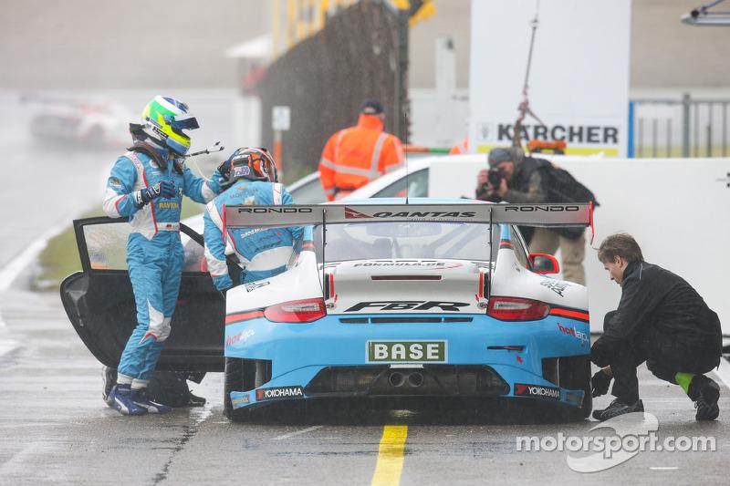 #5 Farnbacher Racing 保时捷 911 GT3 R: 马里奥·法恩巴赫, Nathan Morcom