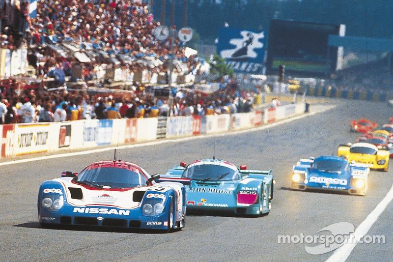 1989 #25 Nissan R89C: Chip Robinson, Arie Luyendyk, Geoff Brabham