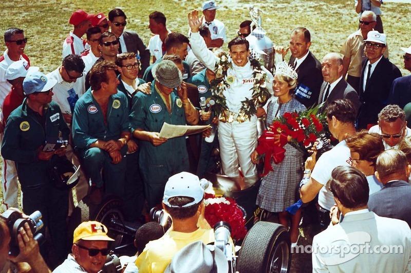 Ganador de la carrera Jim Clark