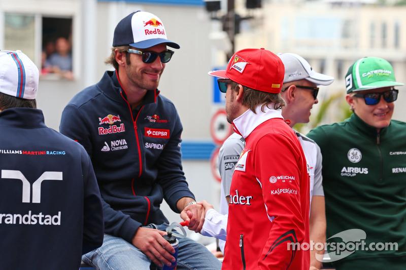 (L to R): Jean-Eric Vergne, Scuderia Toro Rosso and Fernando Alonso, Ferrari on the drivers parade