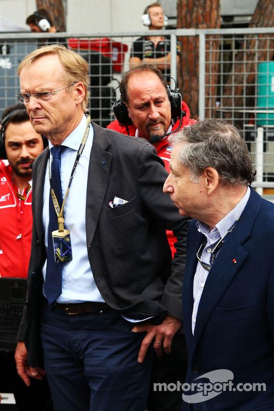 (Esquerda para direita): Ari Vatanen, ex-campeão mundial de Rally e Jean Todt, presidente da FIA no grid
