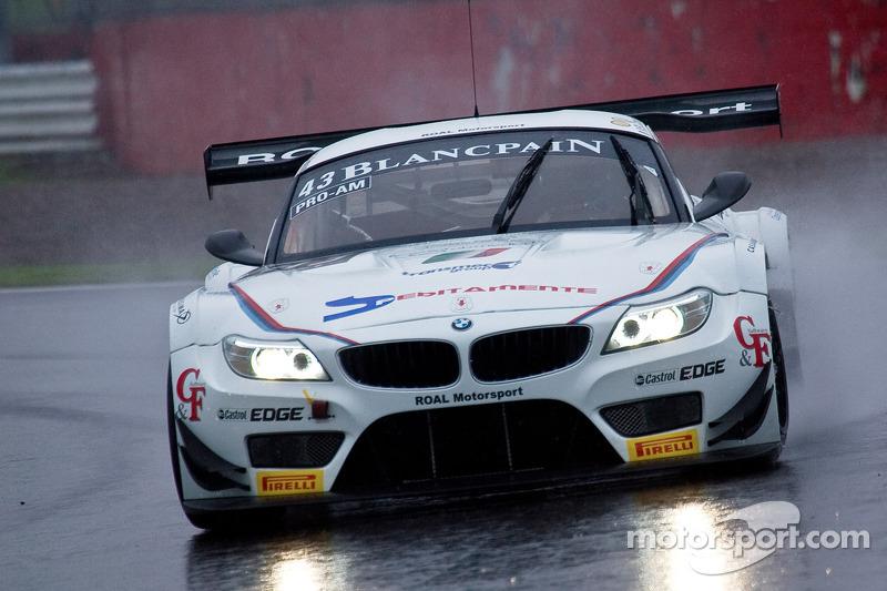 #43 ROAL Motorsport 宝马 Z4: 斯蒂法诺·科曼迪尼, 欧亨尼奥·阿莫斯, 米切拉·塞鲁蒂