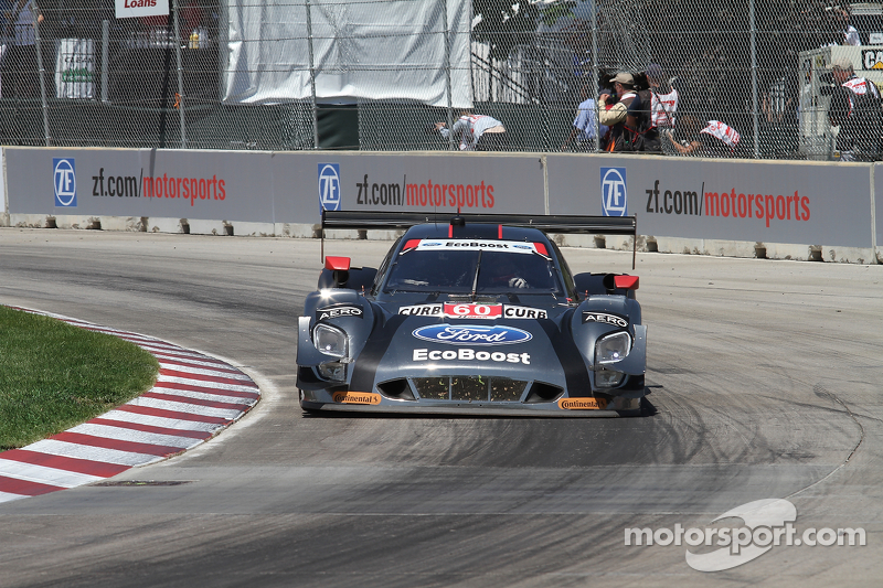 #60 Michael Shank Racing 和 Curb/Agajanian 福特 EcoBoost/Riley: 约翰·皮尤, 奥斯瓦尔多·内格里 Jr.