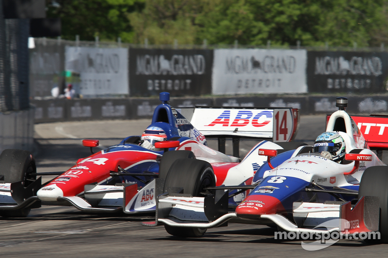 Takuma Sato, AJ Foyt Enterprises Honda Ryan Briscoe, KV Racing Technology Chevrolet