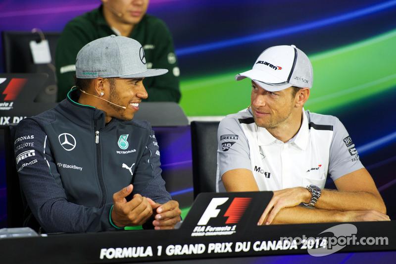 (L to R): Lewis Hamilton, Mercedes AMG F1 and Jenson Button, McLaren in the FIA Press Conference