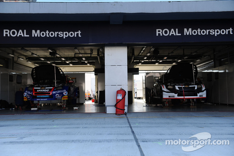 Tom Chilton, Chevrolet Cruze RML TC1, ROAL Motorsport, Tom Coronel, Chevrolet Cruze RML TC1, Roal Motorsport