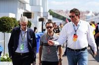 Alessandro Alunni Bravi, rijdersmanager, met Nicolas Todt, rijdersmanager en Gerard Neveu, organisator van het WEC