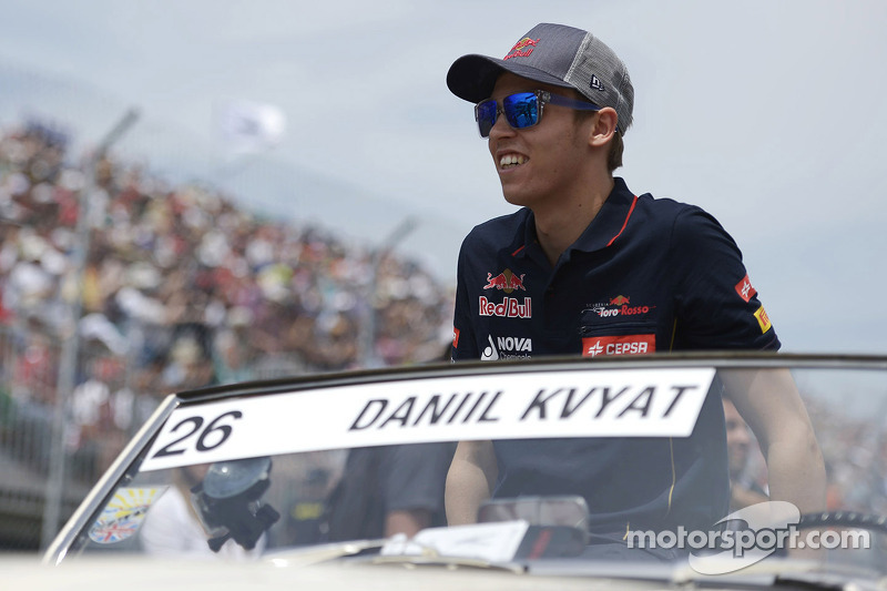 Daniil Kvyat, Scuderia Toro Rosso on the drivers parade