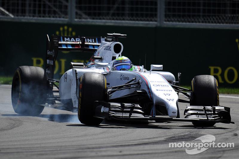 Felipe Massa, Williams FW36 frenleme altında lastiklerini kilitliyor