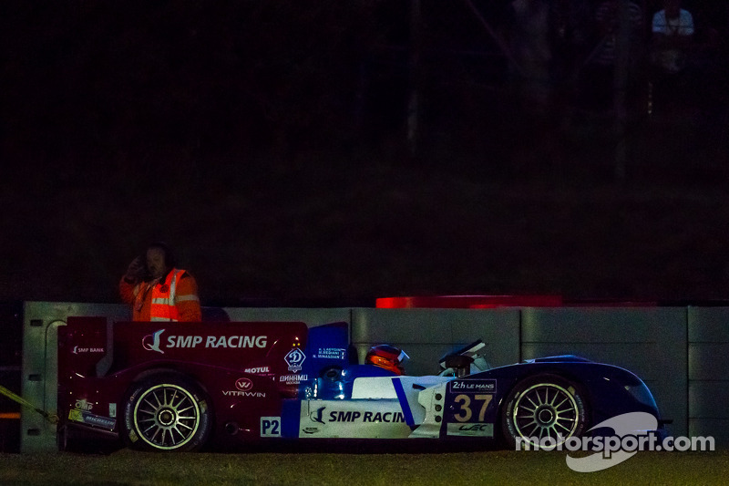 #37 SMP Racing Oreca 03 - Nissan: Kirill Ladygin, Nicolas Minassian, Maurizio Mediani levado para fo
