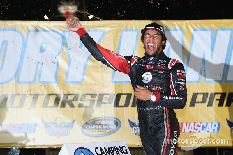 Vencedor da corrida Darrell Wallace Jr.