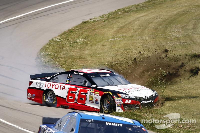 Problemi per Brett Moffitt, Toyota