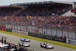 Vencedor #2 Audi Sport Team Joest Audi R18 e-tron quattro: Marcel Fässler, Andre Lotterer, Benoit Tr