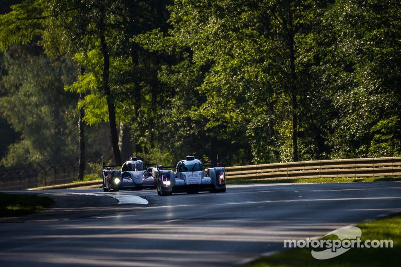#2 奥迪运动部 Joest 奥迪 R18 E-Tron Quattro: 马塞尔·法斯勒, 安德烈·洛特勒, 伯努瓦·特律叶