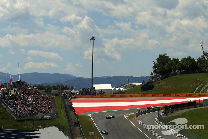 Valtteri Bottas, Williams F1 Team e Nico Rosberg, Mercedes AMG F1 Team