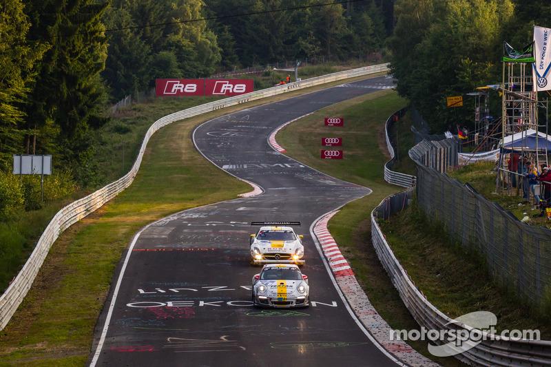#58 Black Falcon 保时捷 911 GT3 Cup: 安德利亚斯·齐格勒, #23 Rowe Racing 梅赛德斯-奔驰 SLS AMG GT3: 克劳斯·格拉芙, 扬·赛费特, 托马斯·贾格尔, 理查德·戈兰森