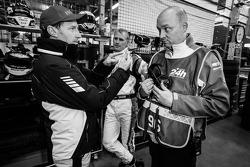 Thomas Jäger and Richard Göransson with Rowe Racing team manager Hans-Peter Naundorf