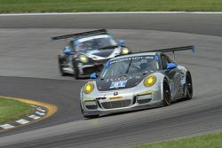 #81 GB Autosport 保时捷 911 GT America: 本·巴克, 达米恩·福克纳 , 迈克尔·阿韦纳帝