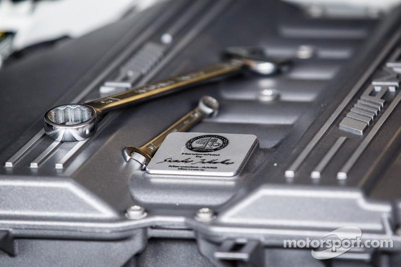 #1 Black Falcon 梅赛德斯-奔驰 SLS AMG GT3 引擎 细节