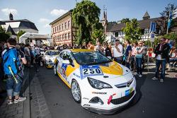 #250 Kissling Motorsport Opel Astra J OPC