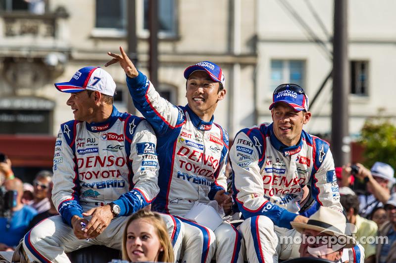 Stéphane Sarrazin, Kazuki Nakajima e Alexander Wurz